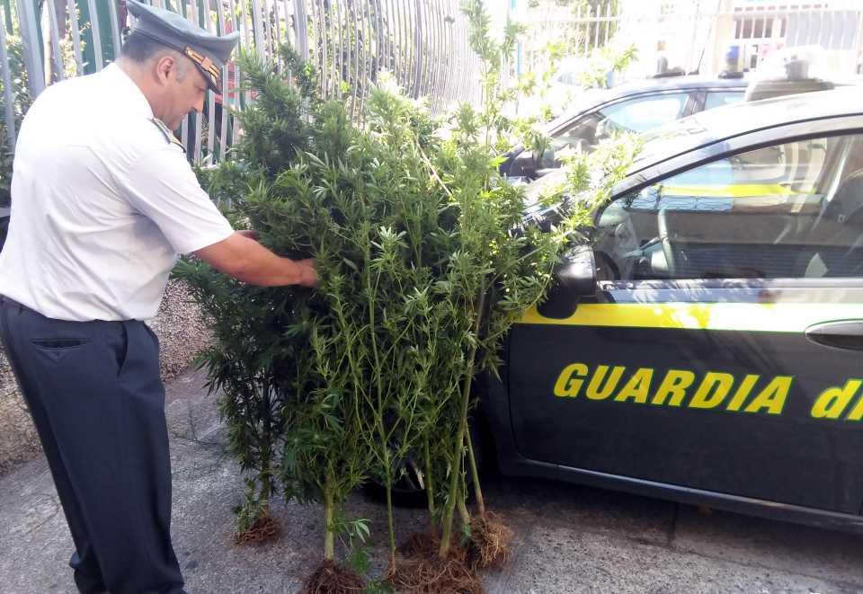 Gdf Paola: sequestrato arsenale pronto all'uso
