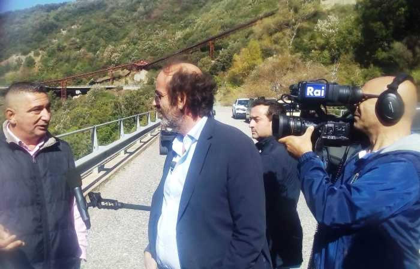 Diga Esaro, ex lavoratori e sindacalisti in onda stasera su Tv7 (Rai Uno)