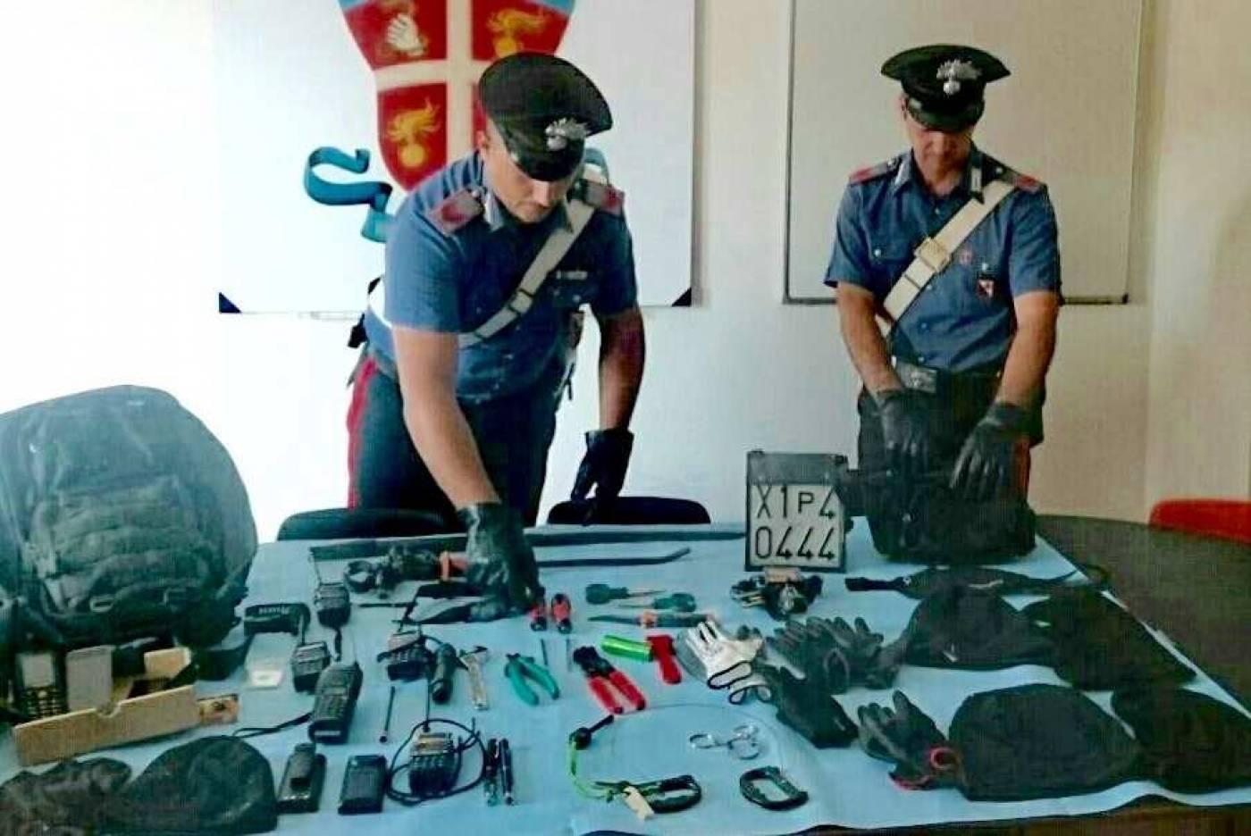 Sgominata banda di ladri pronta a rubare in banca