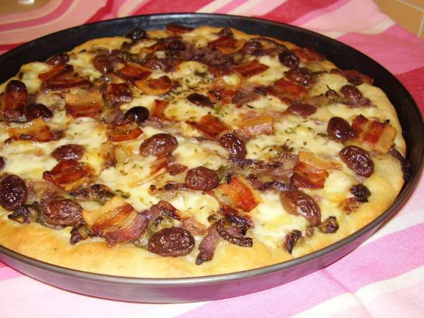 Pizza gourmet alle cipolle